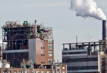 Das petrochemische Unternehmen Unipetrol baut für 1,2 Milliarden Kronen (rund 47 Mio. EUR) zwei neue Anlagen.