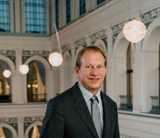 Tobias Bergmann, Geschäftsführer der Nordlicht Management Consultants GmbH, ist seit April 2017 Präses der Handelskammer Hamburg. Foto: Handelskammer Hamburg